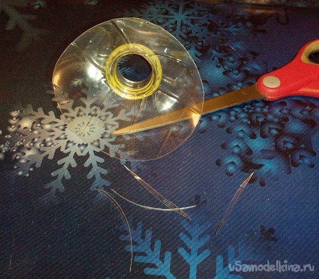 Новогодний котик связанный крючком