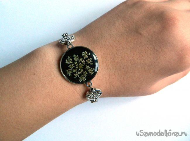 Романтичный браслет с настоящим цветком