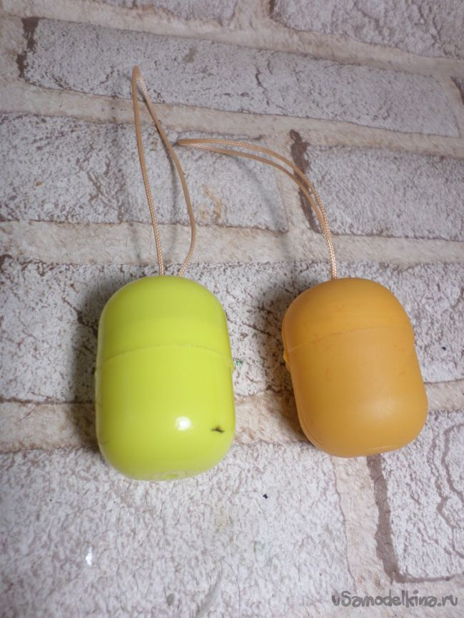 Ёлочные игрушки «Совята» из контейнеров от киндер-сюрпризов