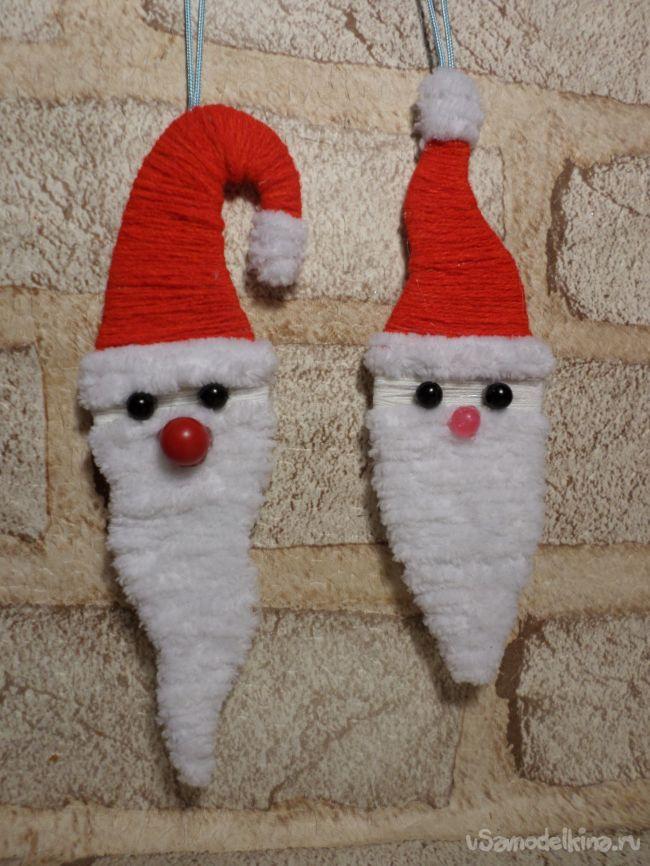 Дед мороз-украшение на ёлку из бросового материала