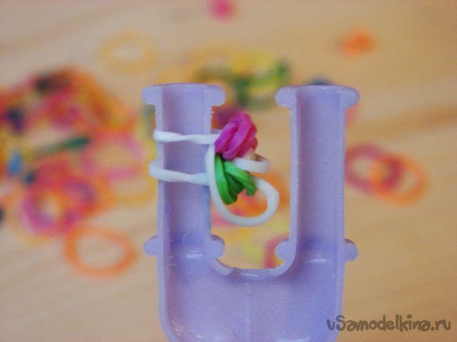 Стильный браслет из резинок «Арья»
