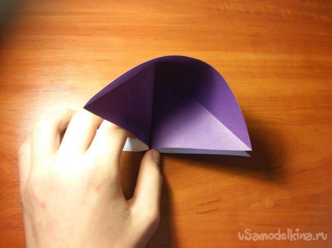 Пугающая  оригами рука скелета из бумаги