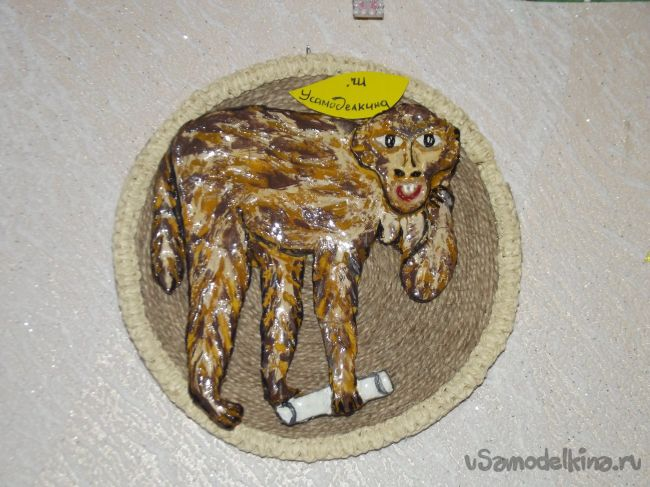 Мини-панно из соленого теста «Макака»