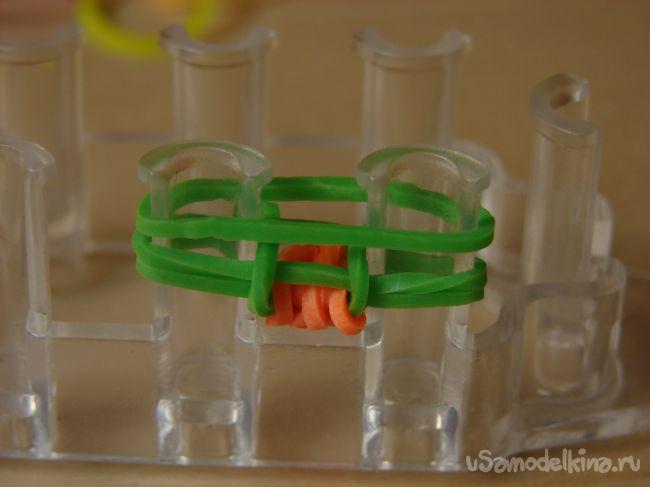 Подвеска из силиконовых резинок «Елочка»