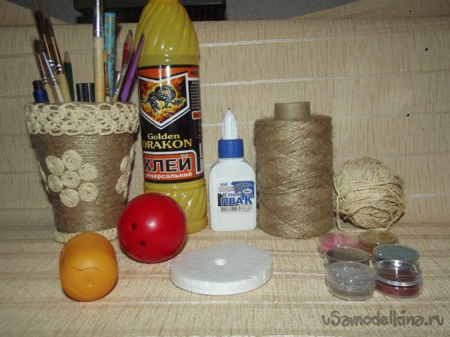 Елочные игрушки из шпагата и бросового материала