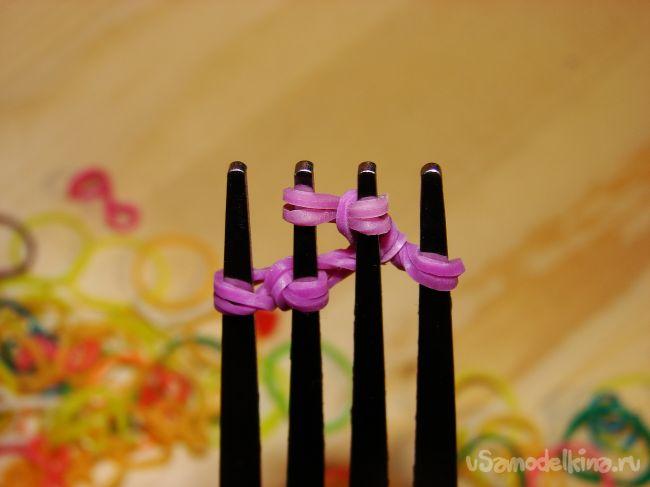 Широкий радужный браслет. Плетение на вилке