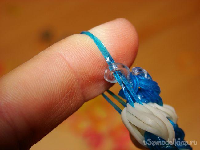 Романтичный браслет из резинок «Холодное сердце»