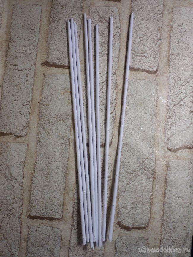 Быстрая ёлочка-стикер из бумажных трубочек
