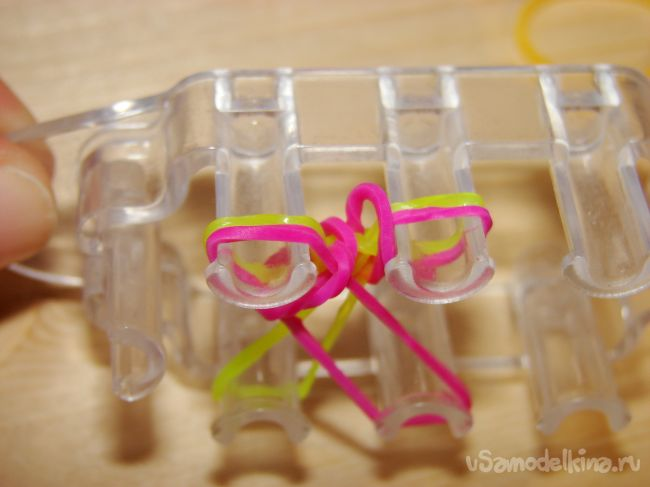 «Пай» - эффектный браслет из резинок
