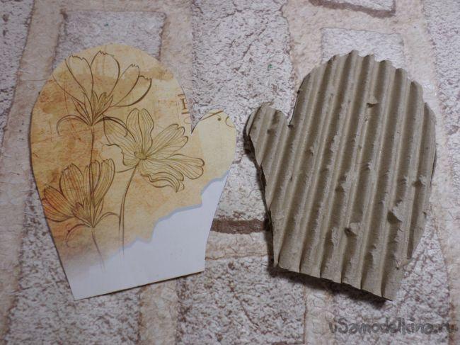 Винтажная рукавичка на ёлку из бросового материала
