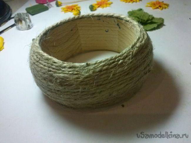 Браслет с подсолнухами из полимерной глины на деревянной основе