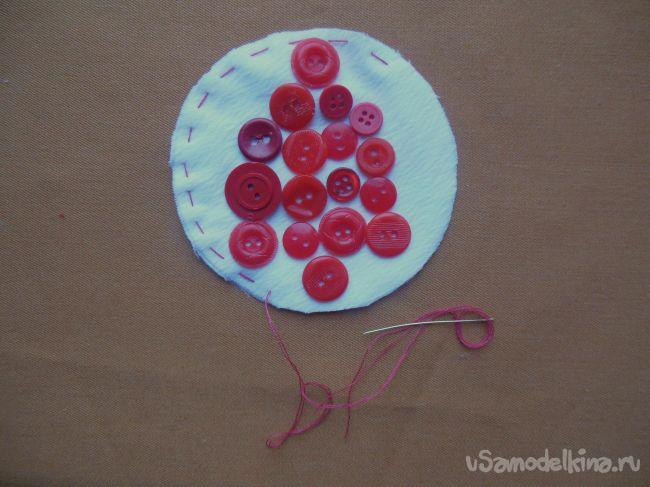 Ёлочные украшения из ткани и пуговиц