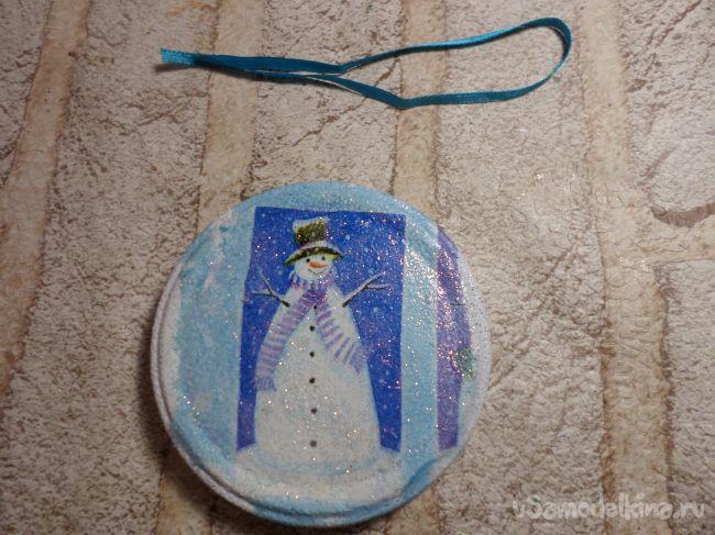Медальоны на елочку с личными фото