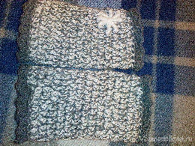 Митенки-краги с вышитой снежинкой