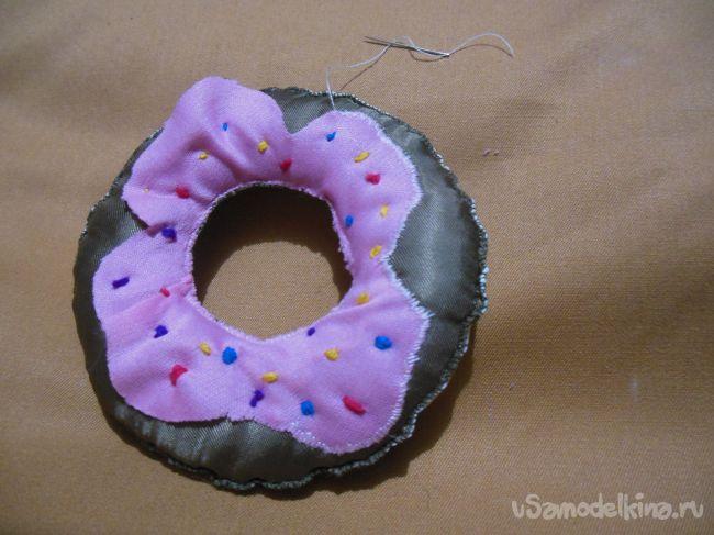 Игольница в виде пончика