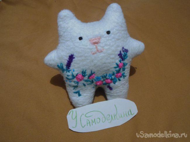 Декоративная кошечка своими руками