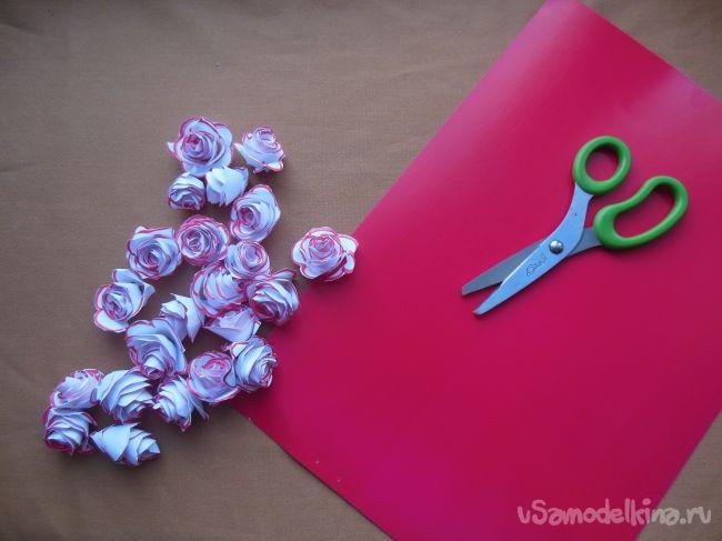 Валентинка «Нежность» с розами из бумаги