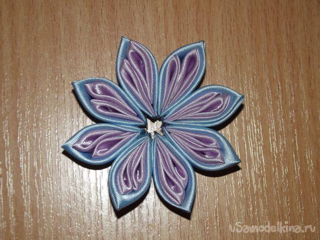 Сиренево-голубой цветок канзаши «Нежность»