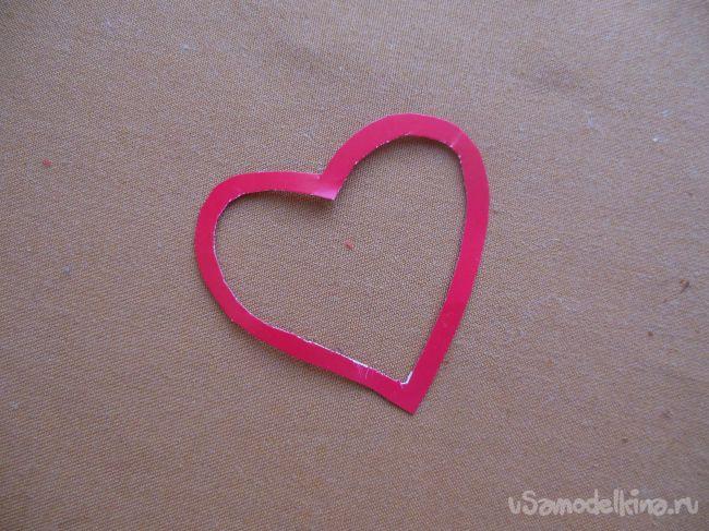 Статуэтка из бисера «Символ любви»